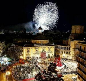 """""""Color, fuego y estruendo... obras de Arte"""". Fallas en Valencia 2018"""