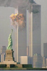 """11 de Septiembre 2001 …caída de las """"Torres Gemelas"""" en Nueva York"""