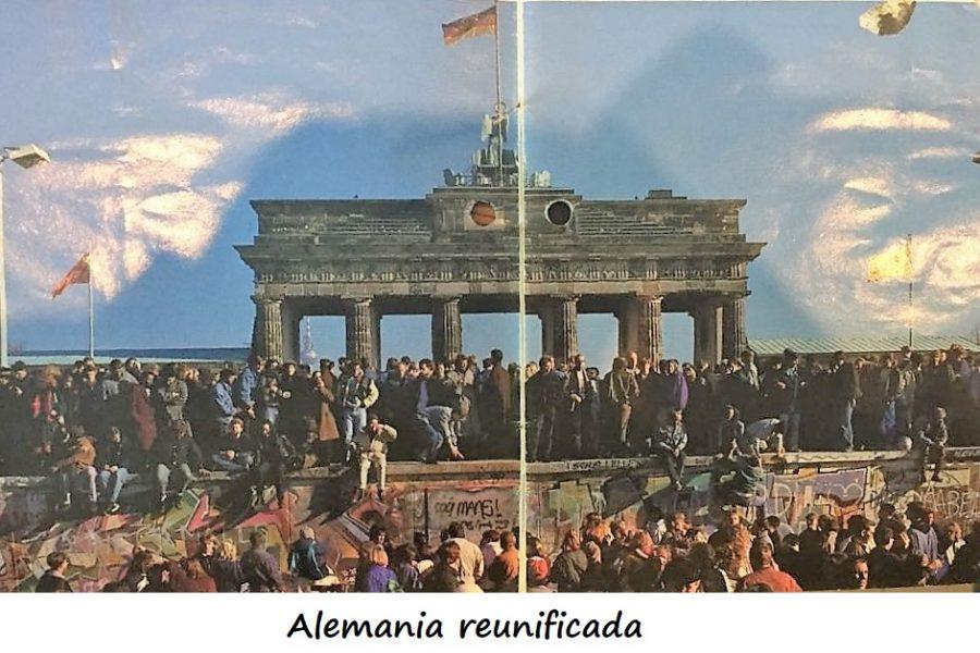 """""""La ciudad con cara de las dos Alemanias"""": ... Berlin."""